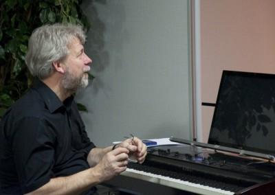 Joachim, the piano man